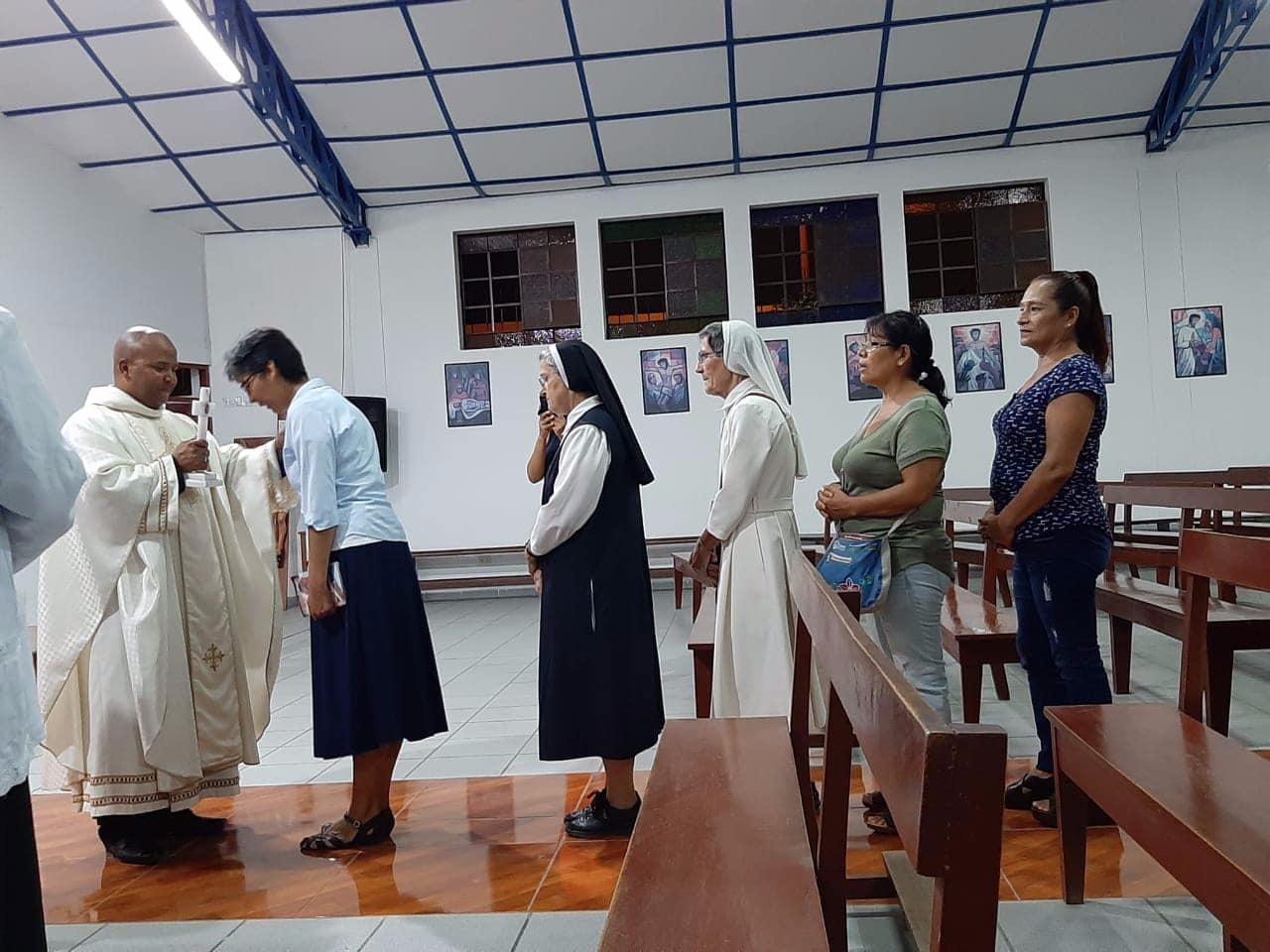 Un año entre los fieles de Carabayllo en Lima