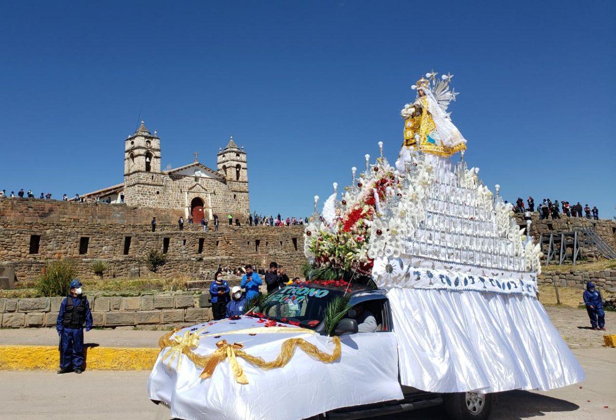 Virgen del Carmen de Vilcashuamán bendijo a los fieles